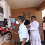 Mangaluru: St Aloysius Institutions mark a milestone achievement with the inauguration of 605kW Rooftop Solar Power Plant across its 4 campuses. The blessing and inauguration of the 605kW Rooftop Solar Power Plant project at St Aloysius Institutions, Mangaluru, was held on 24th September 2021 at L.F. Rasquinha Hall of the College. Sudesh Martis, Additional Chief Electrical Inspector, Department of Electrical Inspectorate, Govt of Karnataka was the Chief Guest. Rev. Fr Melwin J Pinto, SJ, Rector of St Aloysius Institutions presided over the programme. Robin Rajesh from Isha Solar Energies was the Guest of Honour. Rev. Dr Praveen Martis, SJ, Principal, Dr Alwyn D'Sa, Registrar of the College, Steevan Pinto, President, SACAA, Dr Vivek K, Technical Head of the project and Rajan Menon were on the dais. Dr Tom George, the Associate Consultant for the project, briefed about the project using a PowerPoint presentation. This is the biggest educational solar power plant project at Mangalore by ISHASOL Energies installed across 4 campuses at St Aloysius Institutions, Mangaluru. The entire plant has been built in accordance with applicable safety, occupational health and environmental regulations. ISHASOL Energies is a fully forward-integrated and comprehensive EPC solutions provider. It deploys world-class technology to design, install and commission benchmark solar projects countrywide. • A total of 1300 highly efficient Mono perc silicon modules are used • The 605 kW solar plant is spread across 2600 sq meters of rooftop area using PV modules effectively reducing heat penetration through metal sheets. • SolarEdge inverter plus power optimizers which boast a maximum efficiency of 99.5 per cent have been used. They are more efficient than normal string inverters because they avoid loss of power caused by individual panel shading or malfunctioning. • Besides being part of a green energy revolution in the country, this project is expected to bring immense monetary savings for th