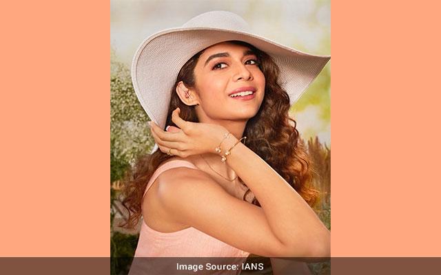 Mithila Palkar goes big on Little Things costar Dhruv Sehgal