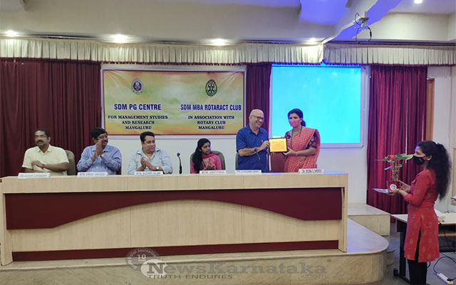 SDM-MBA--Rotaract-Club-of-Mangalore-hold-guest-lecture-on-Career-Opportunities-for-MBAs-two